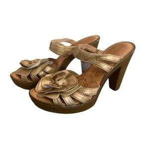 Born Gold Leather Floral Heels - Women's Size 7